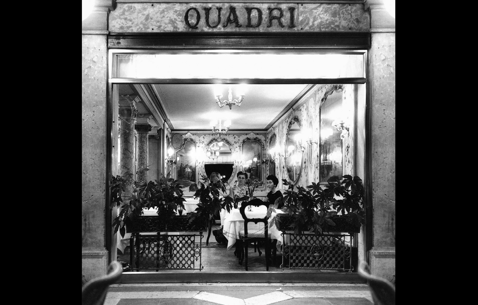 foto de restauro Gran Cafè Quadri San Marco Venezia